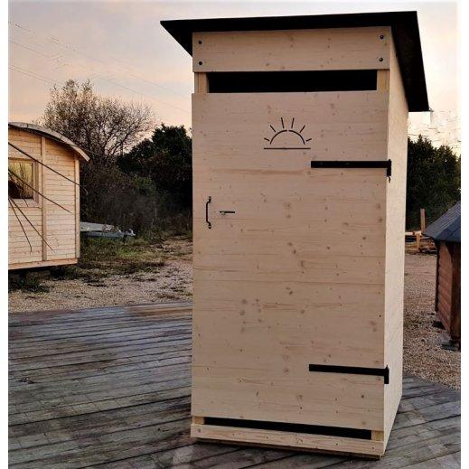 Toilettes sèches en bois